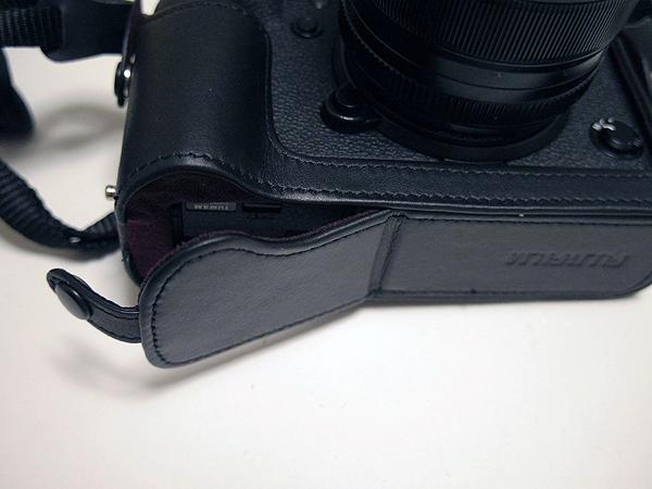 富士フィルムのX-T2用ボトムレザーケース BLC-XT2のデメリット