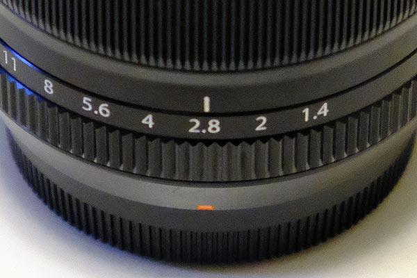 単焦点レンズは明るいレンズ