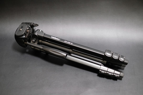 Velbonの中型三脚のEX-440 N