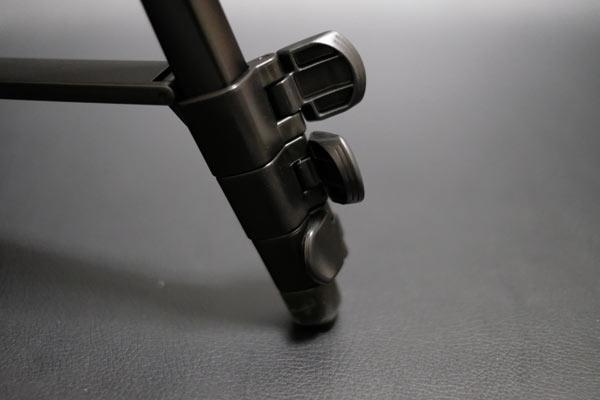 Velbonの中型三脚のEX-440 N脚部